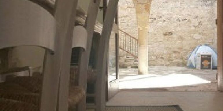 vouni-inside-with-courtyard